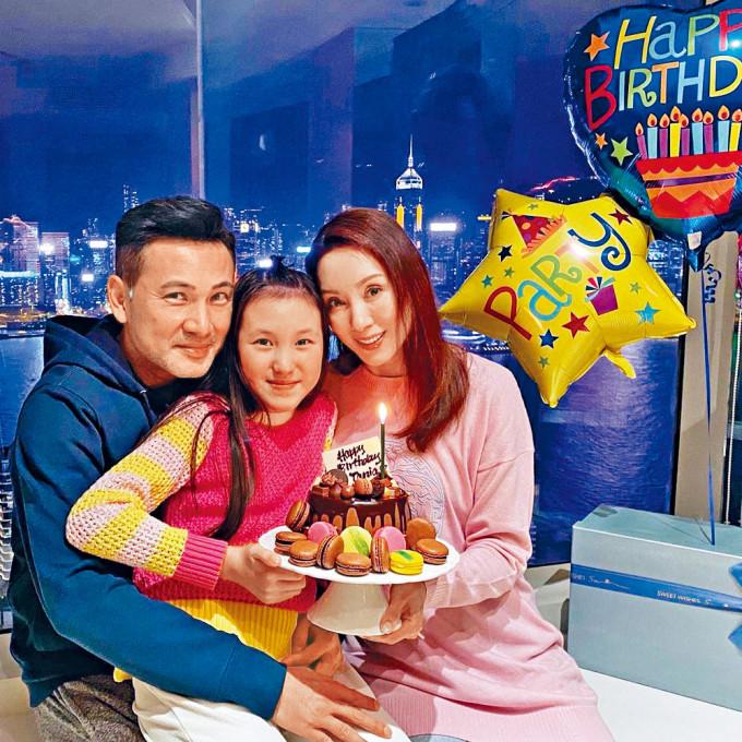 林文龍與郭可盈每年都會陪着女兒過生日。