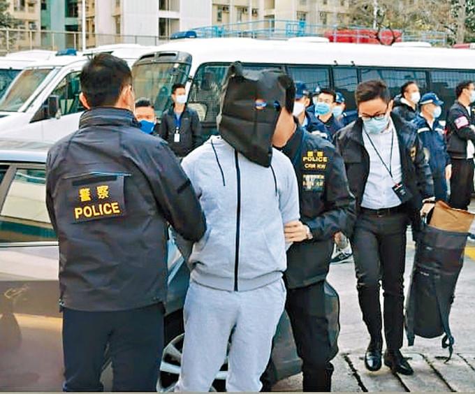 兩名未成年疑犯黃臨福及廖子文本月初被內地移交予本港警方拘捕。