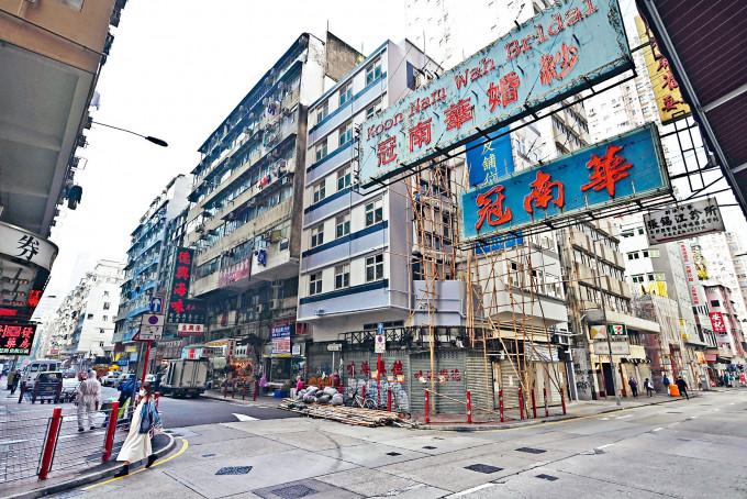 「封區」重點範圍的吳松街一帶,連日人流大減。