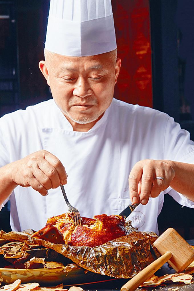 旅發局將與超過二十家酒店及人氣餐廳推出新派節慶盆菜及主題菜單等新春佳餚外送或外賣。
