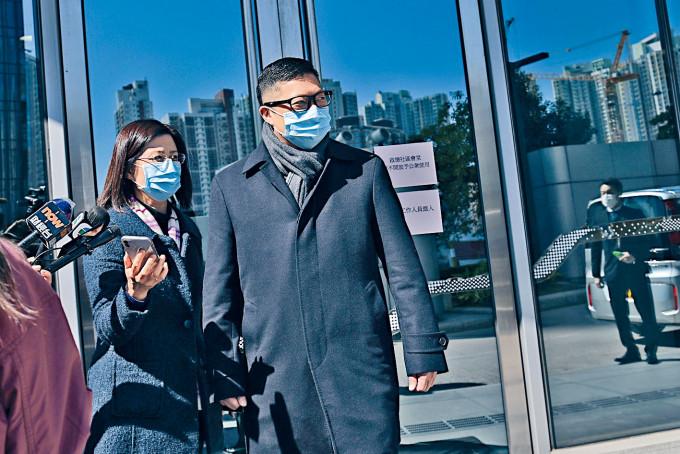 警務處處長鄧炳強表示,對中大撒粉末事件感憤怒和痛心。