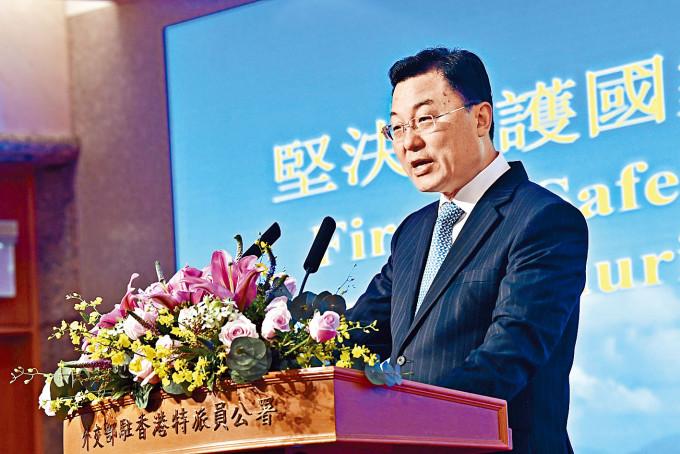 外交部駐港特派員謝鋒已離任返回北京。