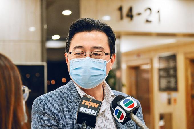 劉智鵬在會後透露,修訂後的新科只保留卷一「資料回應題」,題型或加入短答,甚至多項選擇題。