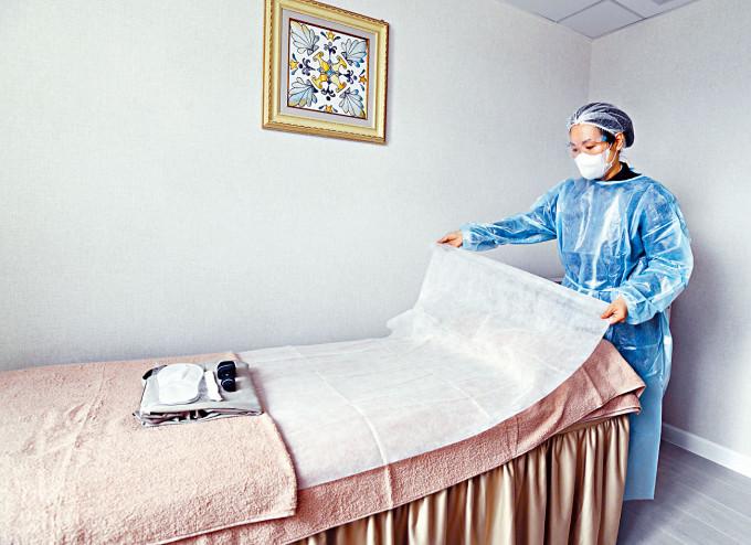 美容業界爭取復業,提議員工十四日一檢,及記錄簿記錄客人進出。