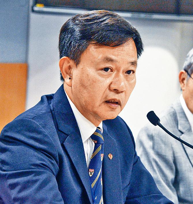 梁栢賢表示,當局正物色約二十間社區接種中心。