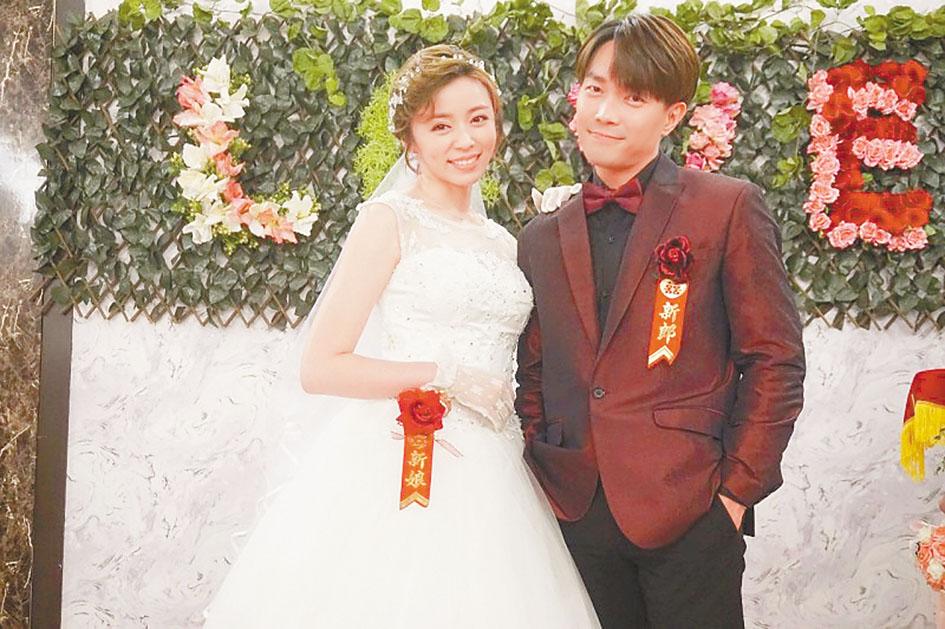 王瞳(左)在民視電視劇《多情城市》中再披婚紗,嫁給許仁杰(右)。 網上圖片