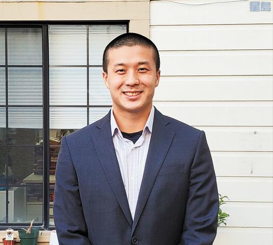 王兆倫正式開啟市立大學校董工作。記者徐明月攝