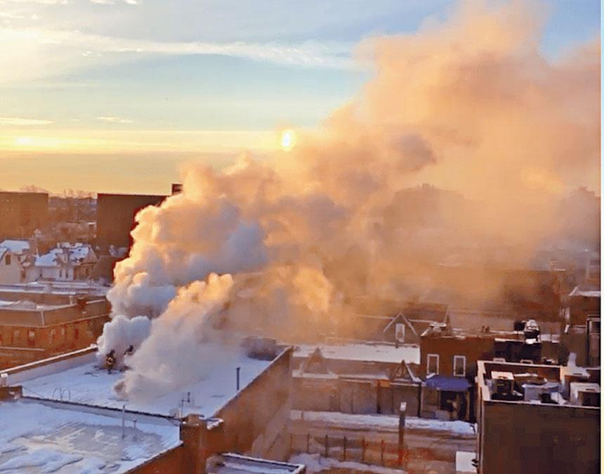 羊頭灣一郵局上方2月12日突發大火。 Citizen手機應用截圖