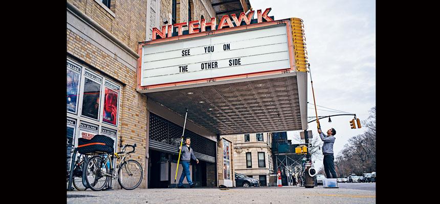 Nitehawk電影院表示,以25%容量營運有一定挑戰。Todd Heisler/紐約時報