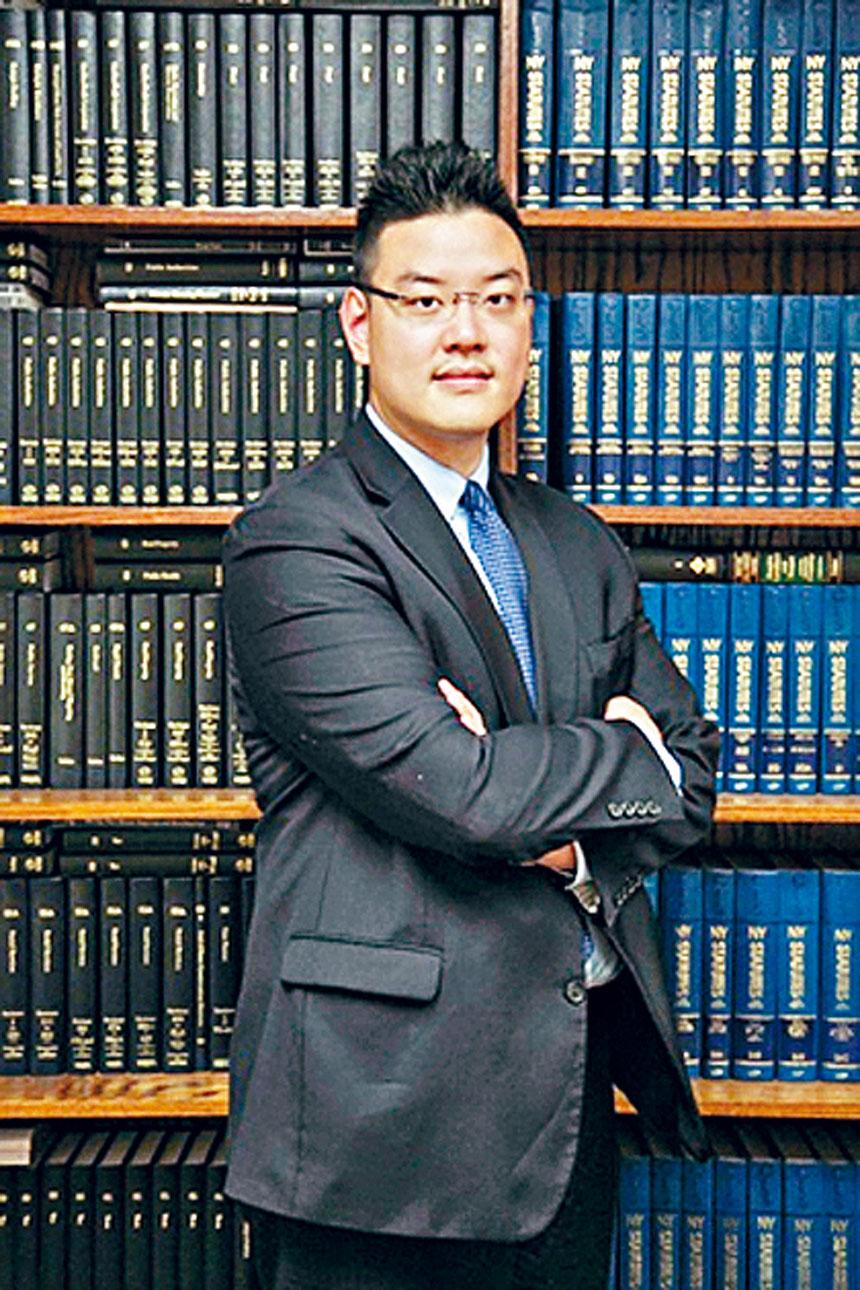 史帝文律師樓執業律師張向榮律師(Marcus Cheung)