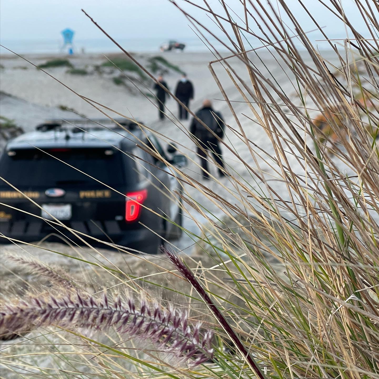 一名莫雷諾谷男子Jose Luis Mares在聖地牙哥縣科羅納多海灘暴力毆妻、企圖淹死妻子並活埋沙坑。科羅納多市警局/加州懲教署