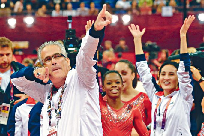 格德特二○一二年在倫敦奧運會上慶祝隊伍奪冠。