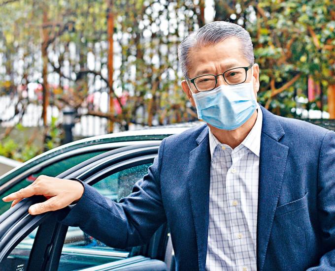 財政司司長陳茂波昨於電台節目談及有關派發電子消費券的執行細節。