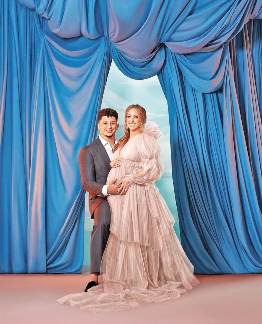 馬霍姆斯在社交媒體宣布了喜訊自己的第一個孩子出生了,圖為此前他與孕期的未婚妻合影。網上圖片