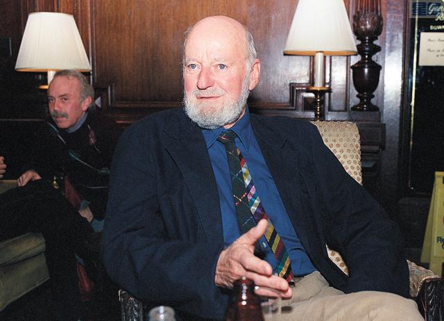 三藩市桂冠詩人費林格蒂辭世。圖為他攝於1988年。美聯社