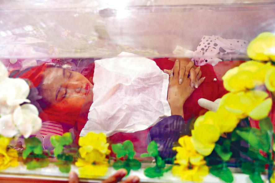 聯合國關注緬甸局勢。曼德勒一位有中文名的20歲女大學生,3日頭部中彈亡。美聯社