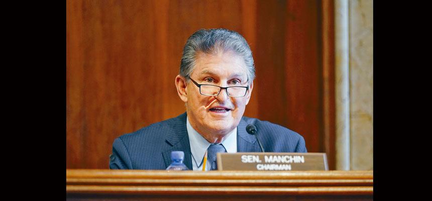 立場最保守的民主黨參議員曼欽主張收緊紓困金的發放標準,並反對眾院版本中提高最低工資的條款。美聯社