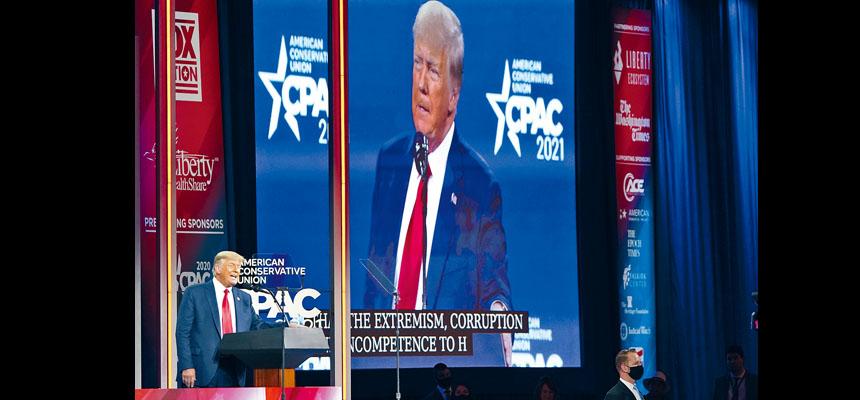 前總統特朗普在佛州出席保守派政治行動大會會議,壓軸出場並發表演講,是他離開白宮6個星期後首次公開發言。    美聯社