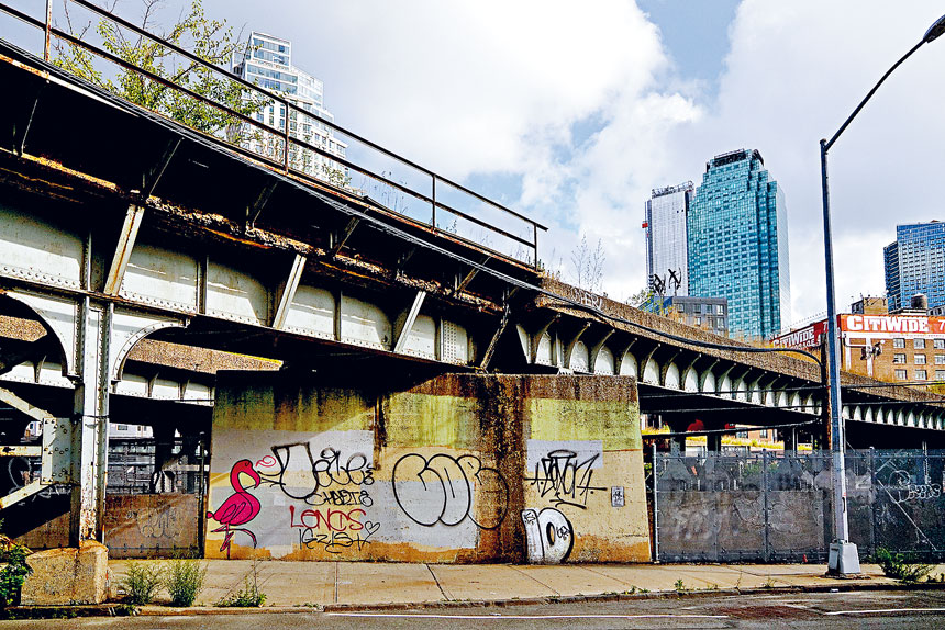在新冠大流行期間,紐約市的塗鴉問題愈益嚴重。David Gonzalez/紐約時報