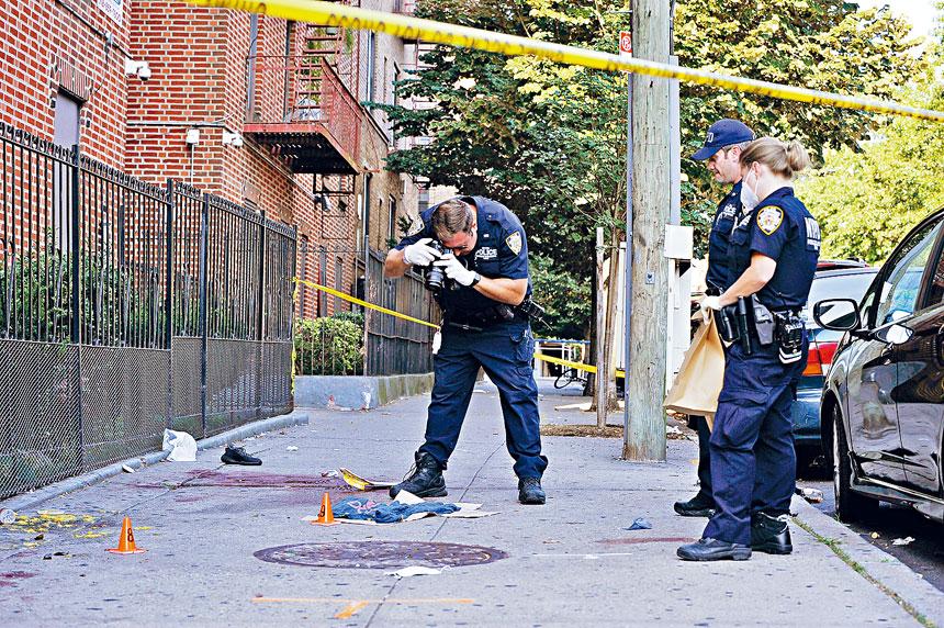 紐約市持續受到槍支暴力困擾,警方已加強人手處理。Lloyd Mitchell/紐約時報