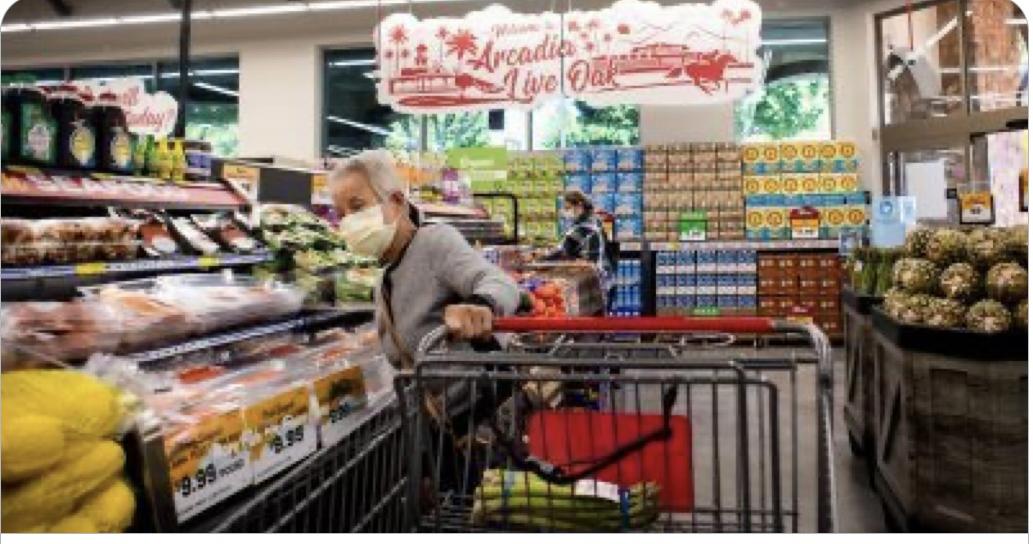 波莫納市批准雜貨工人「英雄工資」。推特截圖