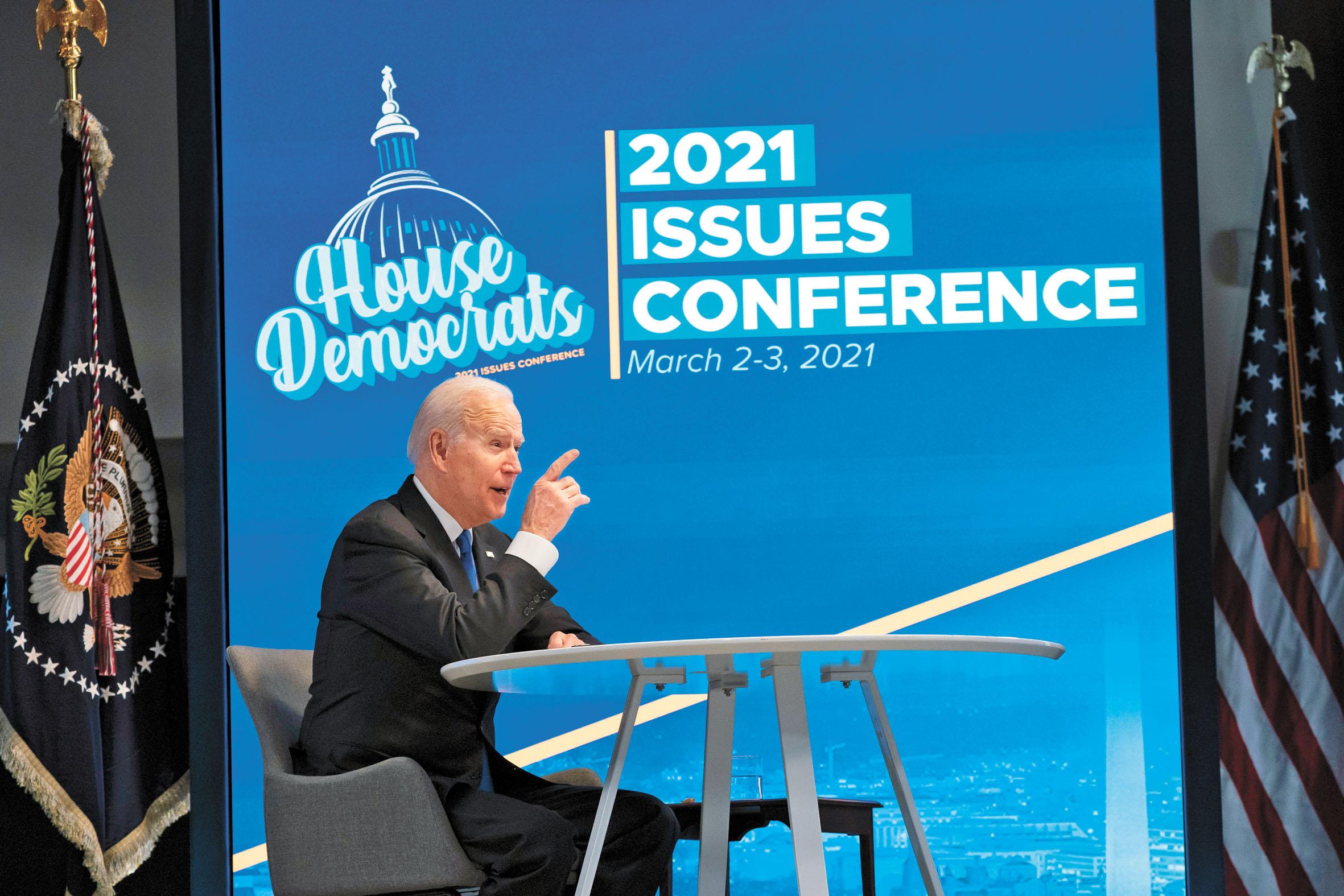 美國總統拜登3日在白宮與眾議院民主黨核心小組的視頻會議上發表講話。美聯社