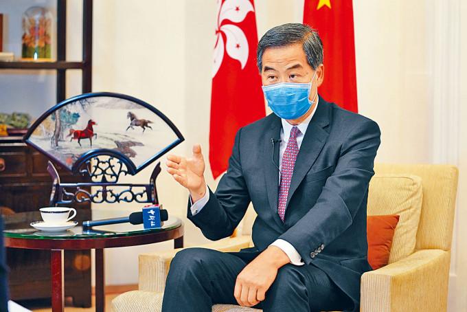 梁振英稱「會盡一切努力為香港服務」,不排除再選特首。