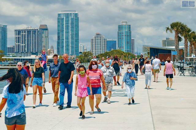 ■針對春季假期,佛州邁阿密市府表明採取零容忍措施,已經加強防疫限制,嚴陣以待。 紐約時報圖片