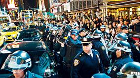 市府與黑命貴示威者19日達成和解,禁止市警今後在遊行執法過程中使用聲波武器。圖源:美聯社