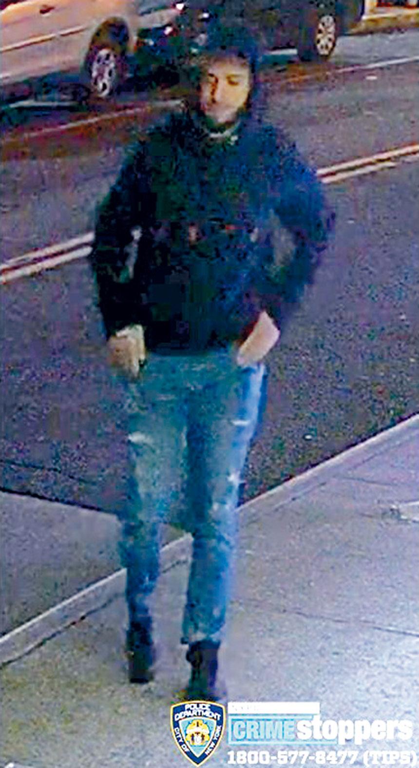 紐約市警方通緝一名涉嫌在皇后區長島市,杭特點,積臣泰及艾姆赫斯特持開箱器威嚇受害人搶劫財物的男子,呼籲民眾提供消息破案。