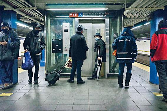 根據數據,上月地鐵每百萬名乘客有2.2宗重罪個案。 Ali Kate Cherkis/紐約時報