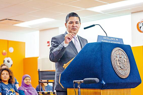 卡蘭薩辭任市教育總監不到一個月內,即在新公司上班。Sarah Blesener/紐約時報