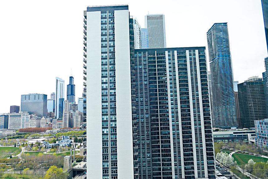 芝加哥市府獲得聯邦政府撥發20億美元紓困金,對於市民而言,用作降低房地產稅應該是首選。梁敏育攝