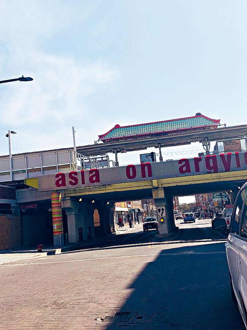 上城阿偕街的紅線站,是乘客量最大的地鐵線。梁敏育攝