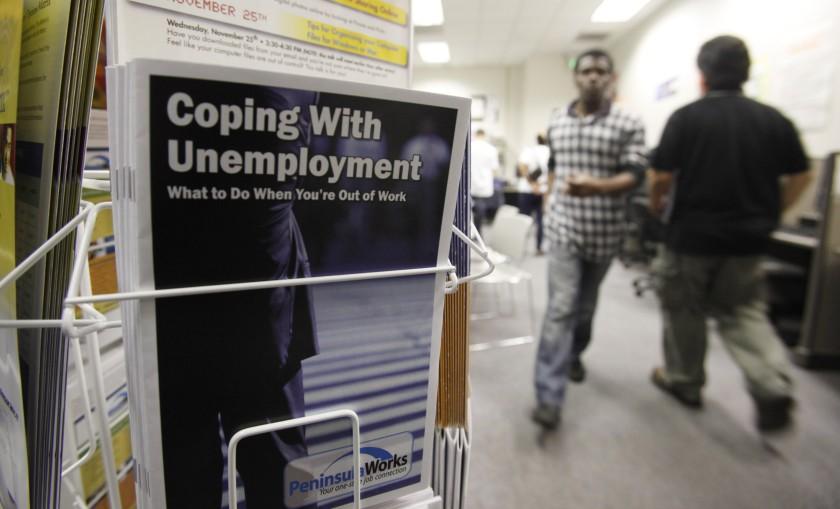 河濱縣一名女子盜取他人身份騙取失業救濟金而被判刑。美聯社