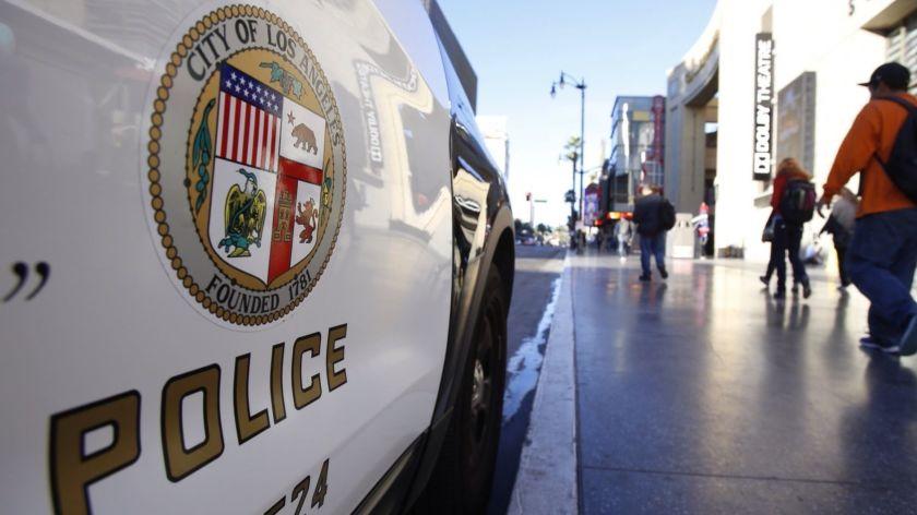 洛市警局一名員警涉籌劃非法賭博遭起訴。洛杉磯時報