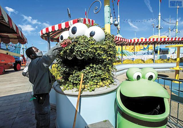 環球影城將於4月中重新開放。洛杉磯時報