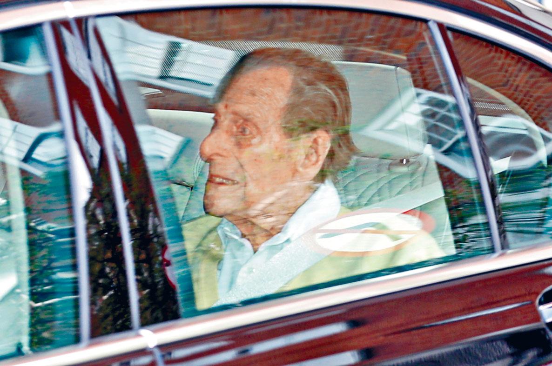 菲臘親王於上月16日時曾被拍下離開醫院的情況。路透社