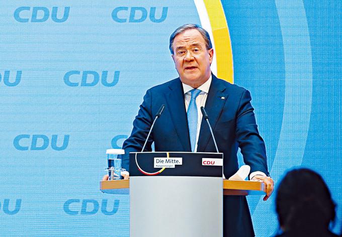 德國基民盟主席拉舍特周二在黨總部發言。