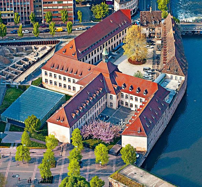 法國國家行政學院位於斯特拉斯堡。