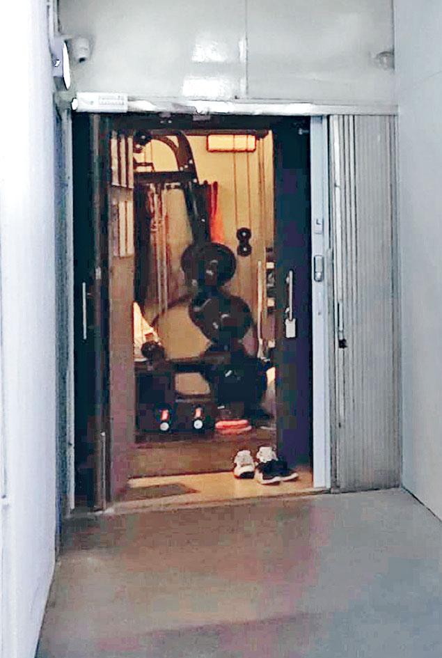 前空姐男友開設的健身室。