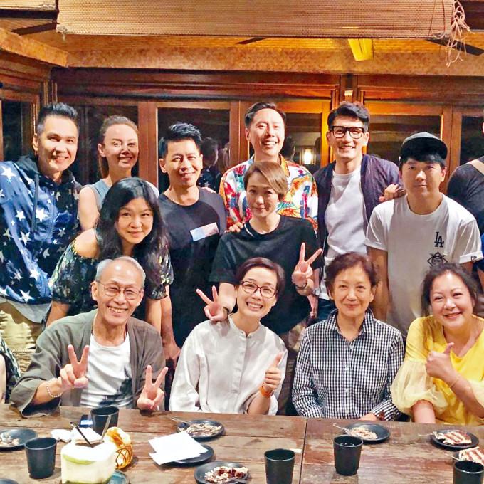 棠哥常與江美儀、鮑起靜、陳啟泰、蔡國威、韓君婷等亞視舊友歡聚。