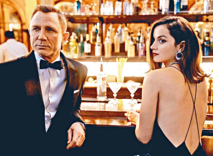《生死有時》傳於9月在英國大搞1,000萬英鎊的首映禮。
