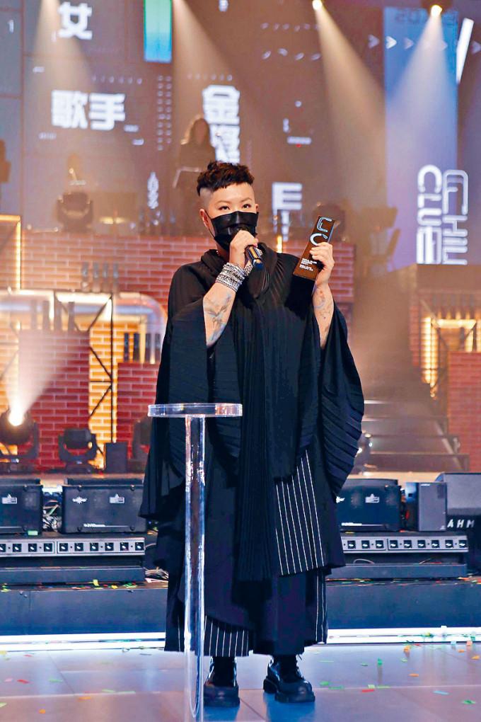 林二汶奪「年度女歌手」金獎。