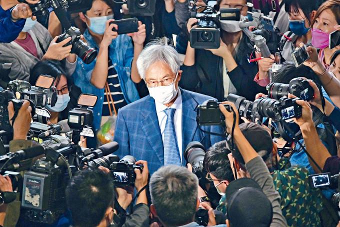 歐美等國就黎智英、李柱銘等人被判刑呼籲放人,外交駐港專員公署發言人表示強烈不滿。