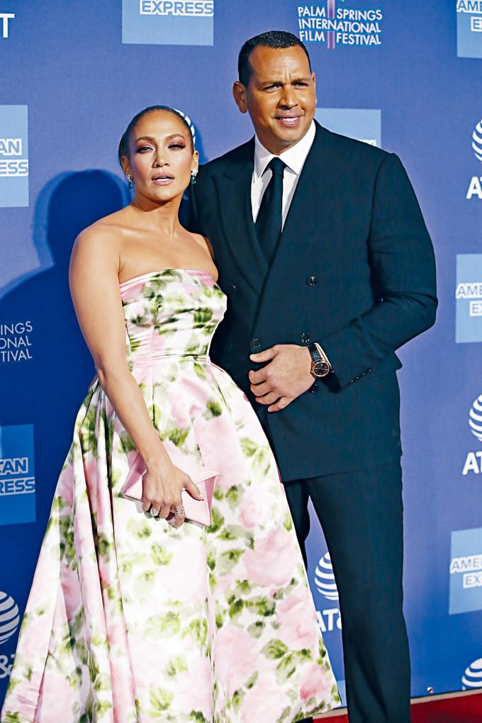 珍妮花洛庇絲與Alex Rodriguez拍拖4年,昨宣布分手並取消婚約。