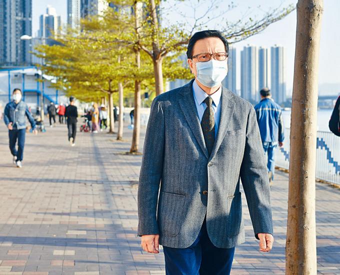 張炳良勸喻香港年輕人擺脫心障,不要聽消沉或虛妄的話,腳踏實地。