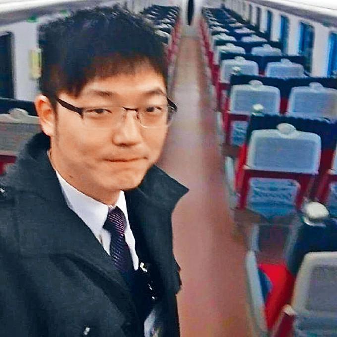 殉職列車司機袁淳修(圖)昨天火化,台鐵安排專列護送骨灰回家。