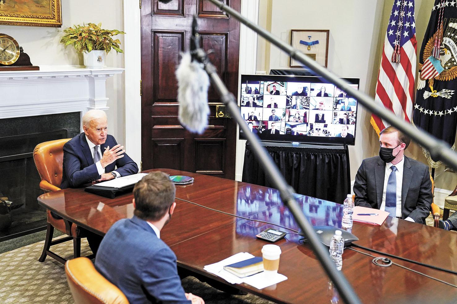 美國總統拜登12日在白宮半導體企業峰會上講話。路透社