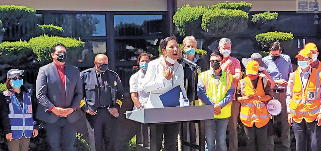 加州副州長康伊蓮(Eleni Kounalakis)表示美國是以移民組成的國家,所有移民都應該受到尊重。記者李兆庭攝